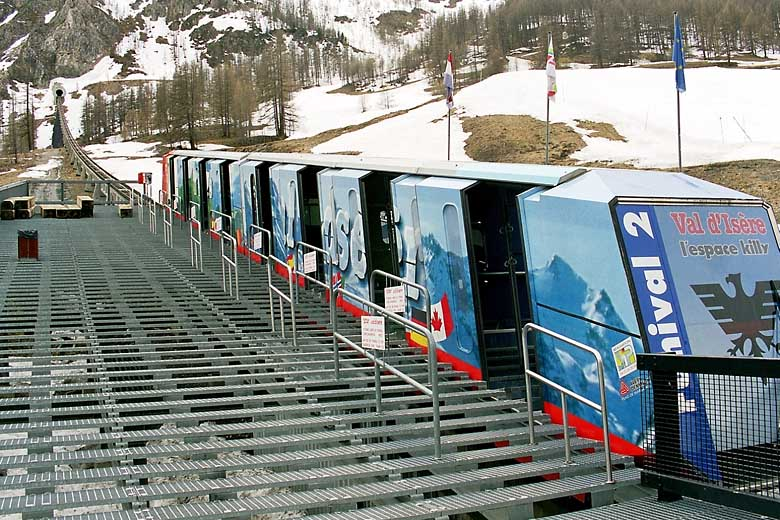 gletscherbahn kaprun funicular accident funiculars in tunnel. Black Bedroom Furniture Sets. Home Design Ideas