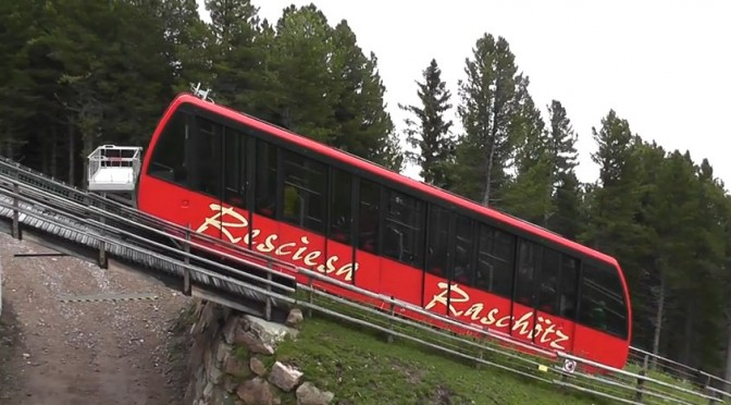 Italy – Videos of Ortisei – Resciesa and Val Gardena funiculars