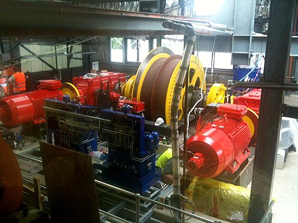 The two new engines / Les deux nouveaux moteurs