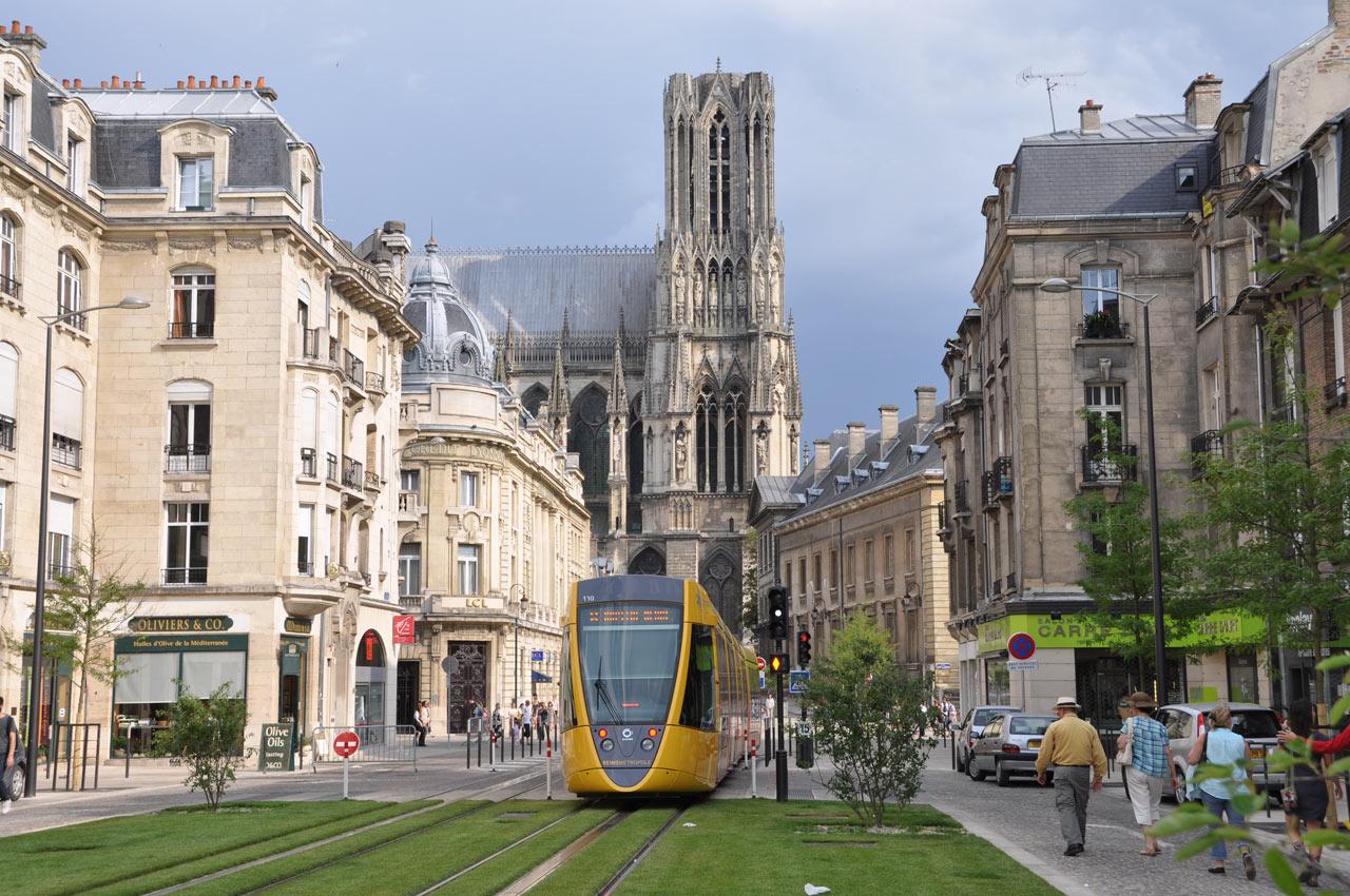 Reims Et Son Tramway Funimag Photoblog