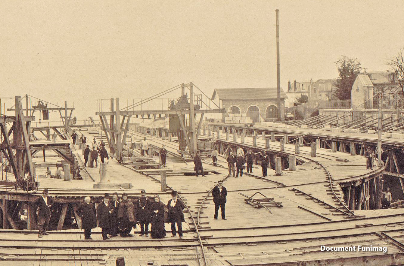 Le chantier de la basilique le 9 mai 1879 / Construction of the basilica on May 9, 1879