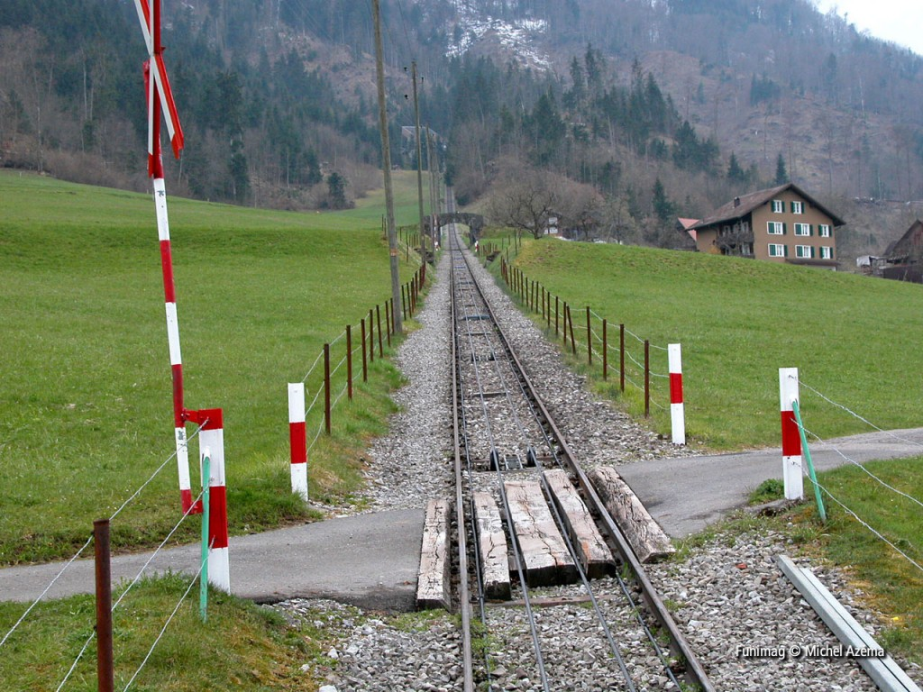 Passage à niveau 3 (12 avril 2003) / Level crossing 3 (April 12 2003)